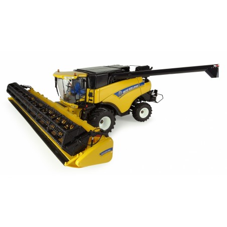 UH 4986 New Holland CR9080 Combine Harvester