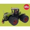 Claas Xerion 4500 with Duals